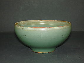 Song dynasty longquan celadon blue green bulb cup
