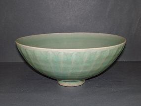 Song - Yuan dynasty longquan celadon large bowl