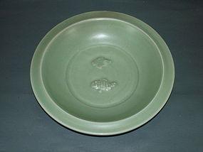 Rare Song Yuan longquan celadon no tail fish large dish