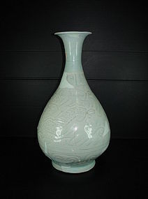 Sample of Yuan qingbai large dragon yuhuchun vase