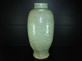Ming longquan celadon large lantern vase 33cm