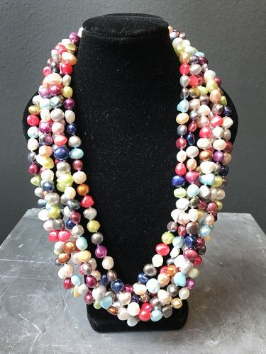 Freshwater pearl multicolour necklace