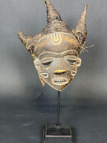 Pende mask, Congo, ex. J.M. Desaive