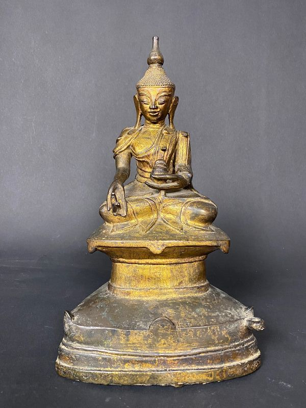 Bronze Medicin Buddha, Burma, late 18th/early 19th century