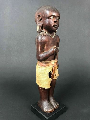 Kamba Male Figure - Kenia