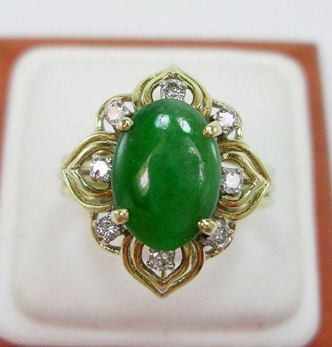 Fine Quality Oval Jade 10.4 X 7.6 mm & 0.24 ctw Diamond Ring 14K YG Si