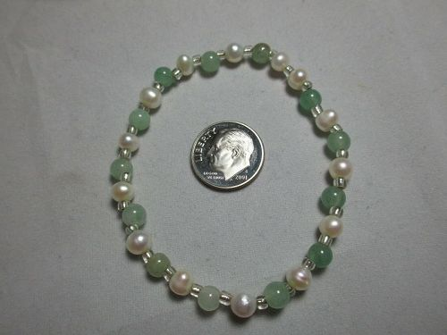Nice Pearl and Jade Stretch Bracelet w Clear Bead Spacers