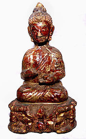 Chinese Gilded Lacquered Wooden Statue of Buddha - Ming 1368 - 1644