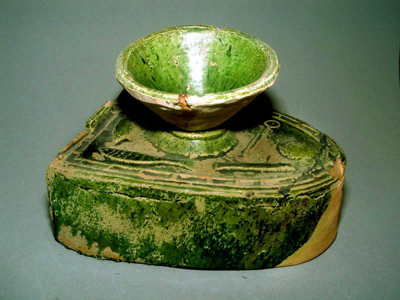 Chinese Han Green Glazed Stove with Wok 206 BC - 220 AD