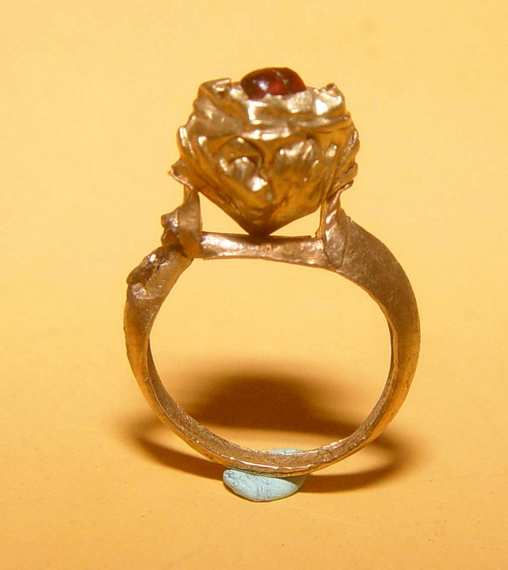 Ancient Ruby Gold Ring - 100 to 500 AD