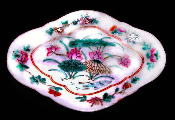 Chinese Nyonya Plate with Floral Design - 19th Century