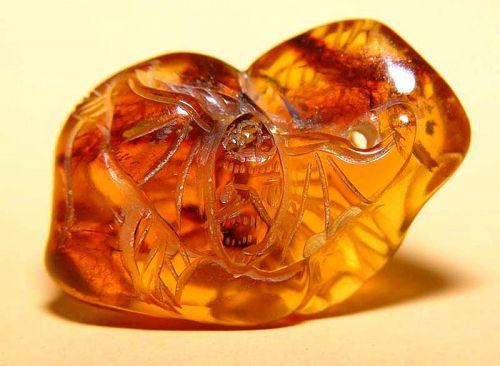 Chinese Natural  Amber Two Bat  Pendant