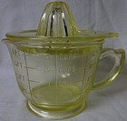 Measuring 2 cup with Reamer Yellow Hazel Atlas Glass Company
