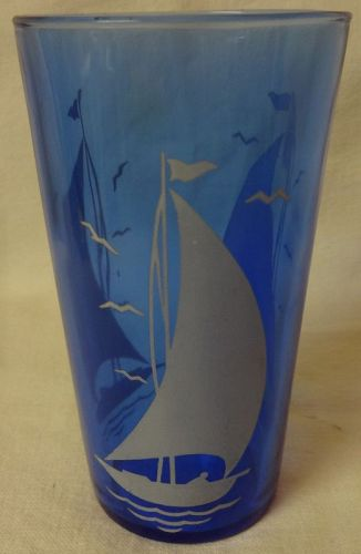 "White Ships Ritz Blue Tumbler 4 7/8"" 10.5 oz Hazel Atlas Glass Company"