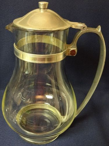 "Batter Jug 10"" Crystal McKee Glass Bake"