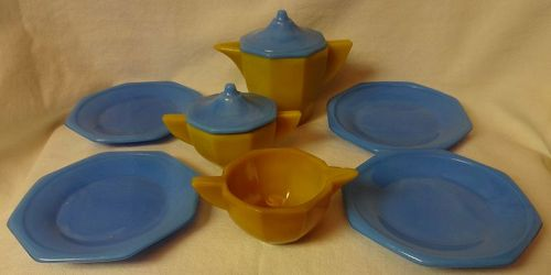 Octagonal Large Blue & Yellow Childs Set Akro Agate Glass Company