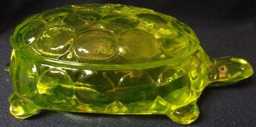 Thousand Eye Turtle Cigarette & Lid Vaseline Westmoreland Glass