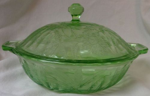 """Floral Green Covered Vegetable Bowl 8"""" Jeannette Glass Company"""