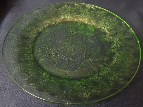 """Floral Green Salad Plate 8"""" Jeannette Glass Company"""