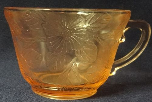 Dogwood Pink Cup Thick Mac Beth Evans Glass Company