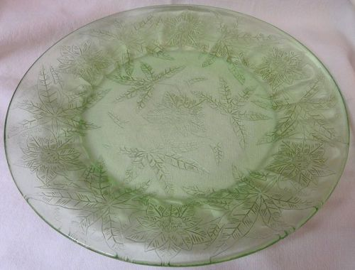 """Floral Green Dinner Plate 9"""" Jeannette Glass Company"""