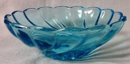 """Capri Blue Bowl 4.75"""" Swirled Hazel Atlas Glass Company"""