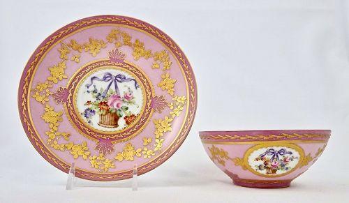 Antique Porcelain de Paris Tea Cup & Saucer