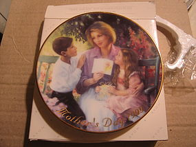 Avon Mother's Day Plate 1999
