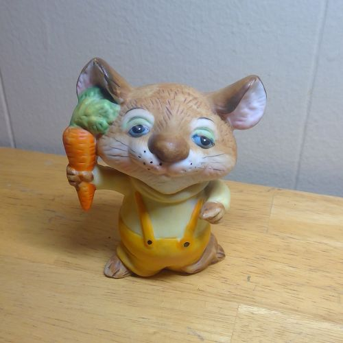 Enesco Mouse Carrot