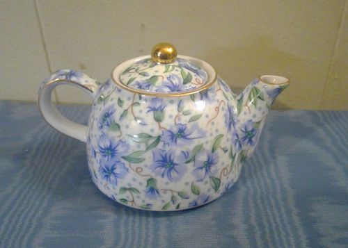 Two's Company Ainsley Teapot