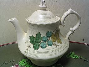 Metlox Vineyard Teapot