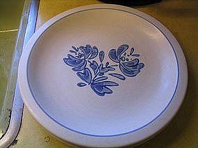 Pfaltzgraff Yorktowne 2 Dinner Plates