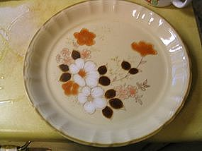Home Beautiful Snow Daisies Plate