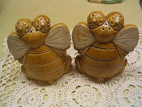 Bee Salt & Pepper Shakers