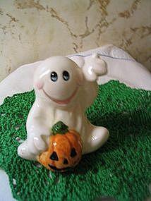 Ucagco Halloween Figurine