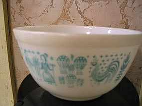 Pyrex Butterprint Bowl