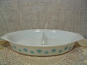 Pyrex Turquoise Snowflake Casserole