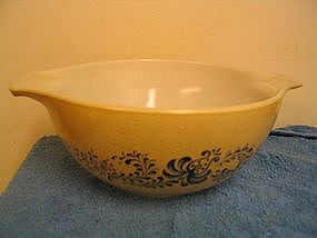 Pyrex Homestead Bowl