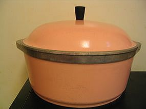 Pink Club Aluminum Dutch Oven