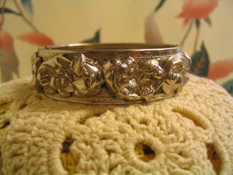 Lisner Bangle Bracelet
