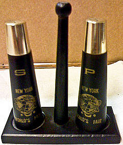 New York World's Fair Salt and Pepper