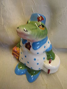 Alligator Salt or Pepper Shaker
