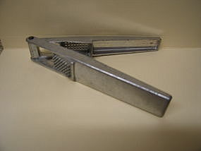 Brevettato Garlic Press