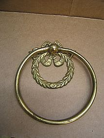 Brass Wreath Towel Holder