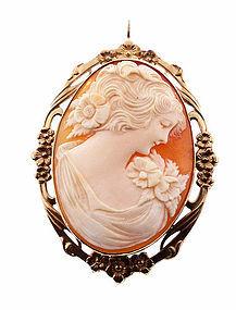 Art Nouveau 10K Gold Shell Cameo Pendant/Brooch