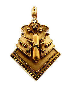 Victorian Etruscan Revival 18K Yellow Gold Fancy Locket