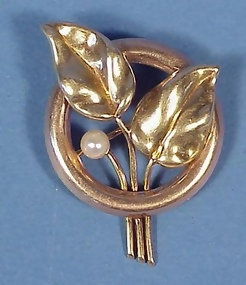 Retro Modern 14K Gold & Pearl Brooch