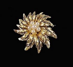 Vintage Pearl & 14K Yellow Gold Brooch