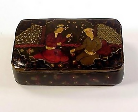 Georgian Lacquered Papier-Mache Tobacco or Snuffbox
