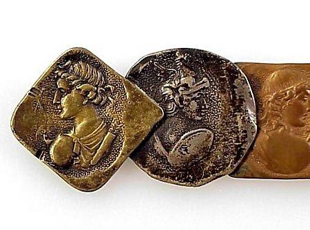 Aesthetic Shiebler Mixed Metal Curio Medallion Brooch